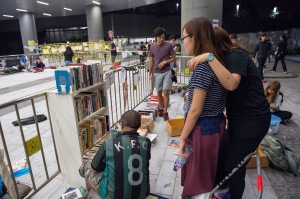 So what do Hong Kong students do to keep busy during protests-Study and read